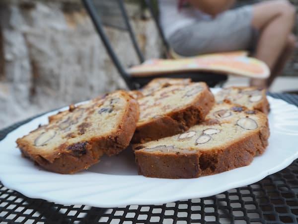 … erleichtert vom selbstgebackenen Kuchen der lieben Familie Velisček ...