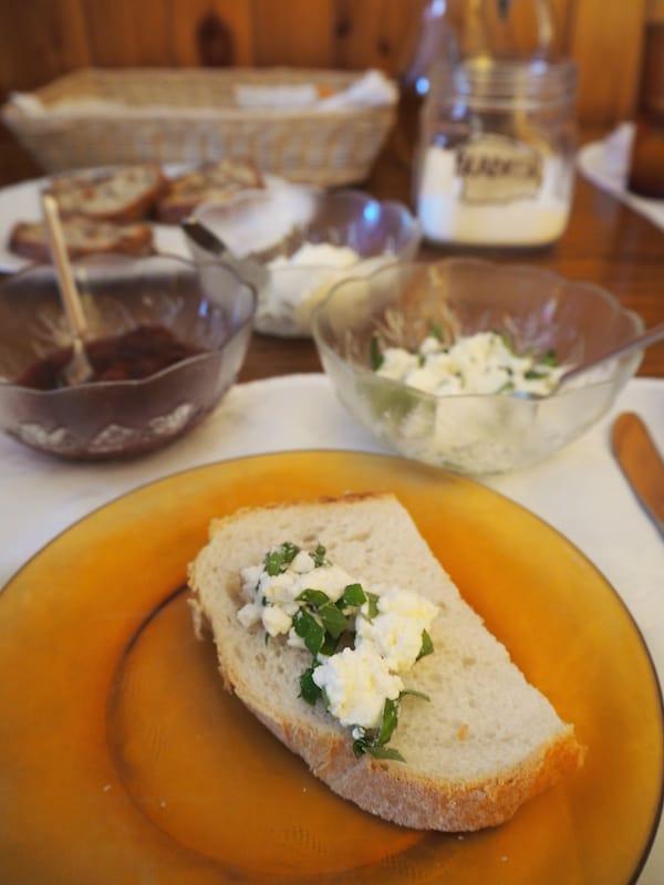 Weiter geht es am nächsten Tag: Frisch gestärkt mit einem wunderbaren Kräuter-Marmelade-Frühstück ...