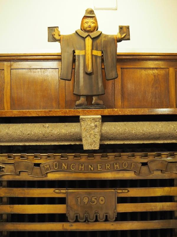 """Der """"Münchner Brauhof"""" inmitten der Salzburger Innenstadt: Nur eine der vielen Adressen auf Martina Gyuroka's humorvoll geführter Bier-Tour durch Salzburg ..."""