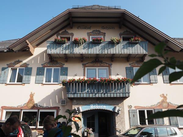 Gleich neben dem Gasthof Schorn ...