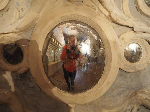 Schon früh übten sich die Meister hier in Wunderwerken der Spiegel- und Wasserkunst ...