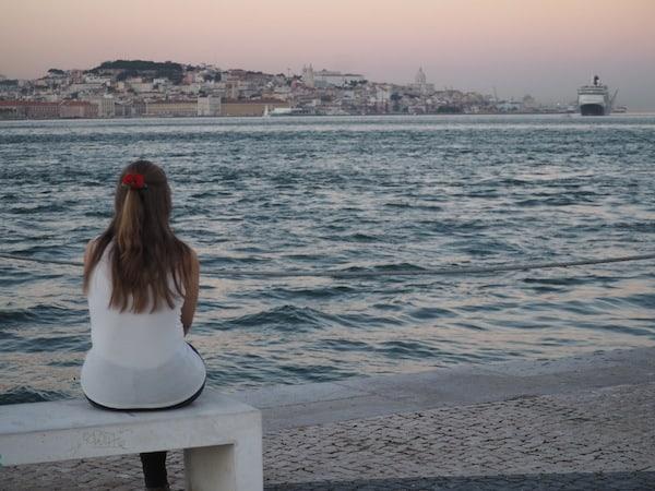 … sowie dem Tipp der Einheimischen folgend, einfach die Fähre über den Fluss zu nehmen und vom gegenüberliegenden Ufer auf die Stadt zu blicken. Ach, Lissabon ...