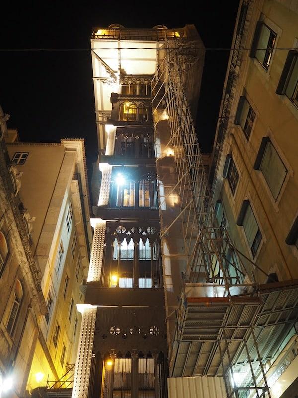 Tipp: Am späten Nachmittag / Abend gibt es so gut wie keinen Besucherandrang für den wohl berühmtesten Aufzug Lissabons.