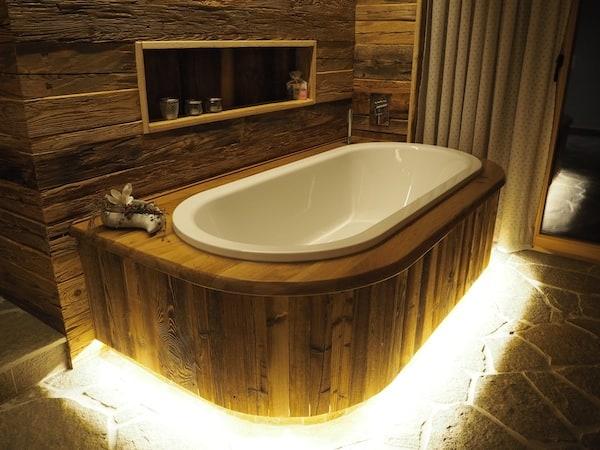 """… wie gut, dass Zeit für den """"Erstbezug"""" dieser phänomenalen Badewanne blieb!"""