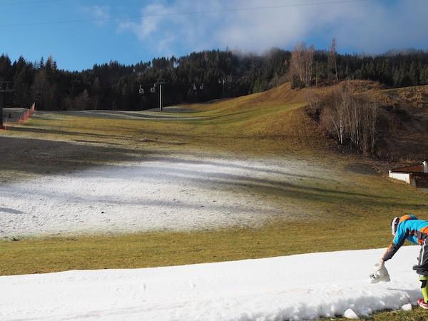 Im Tal noch auf der berühmten Suche nach dem Schnee ...