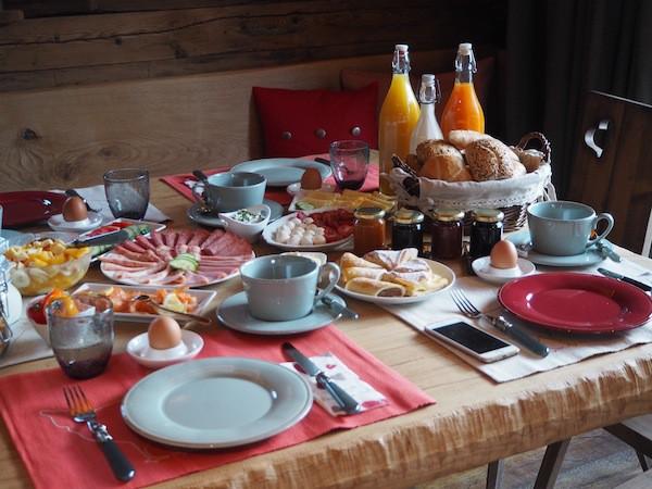 """Dieses köstliche Frühstücksbuffet für unsere Kuschelhütte, genannt """"Schmuckstück"""" ..."""