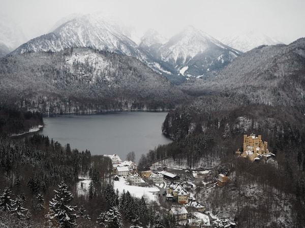 … sowie der Blick weit ins Land und über das Schloss Hohenschwangau hinweg haben es mir dabei besonders angetan.