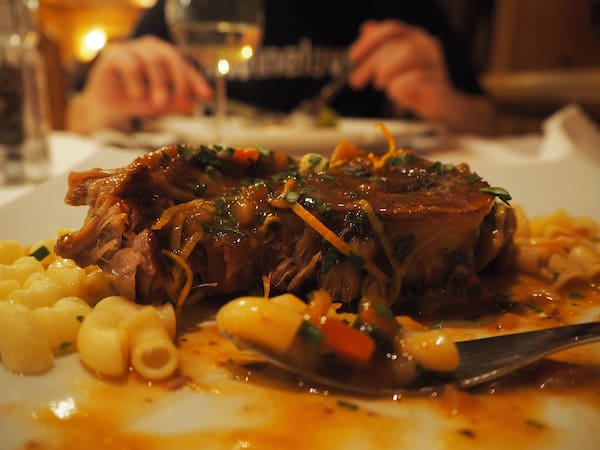 """… und den guten Geschmack an allen Ecken und Enden des Hauses: """"Beim Abendessen 'Eardiges' Menü gegessen"""" - 1 Punkt fürs Klimaspiel!"""