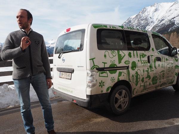 """… und dessen coolen Elektro-Bus: """"Wenn ich groß bin, möchte ich mal ein Elektroauto …"""" Wirklich!"""