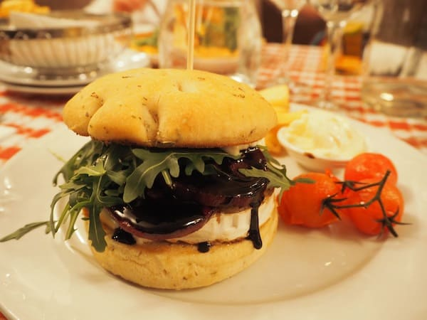 "... sas well as heading to restaurant ""La Famiglia"" for dinner: Their beetroot and goat cheese burger is simply sensational ..!"