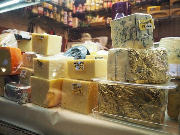 ... in der wir uns von Käse ...