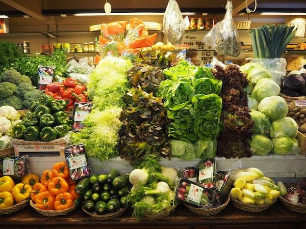 """Oder vielleicht doch lieber die """"frische Gemüseküche"""", liebevoll in Glashäusern gezogen ..."""