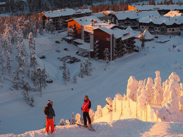 Schließlich ruft der Wintersportort Ruka alle Schifahrer zu sich ...
