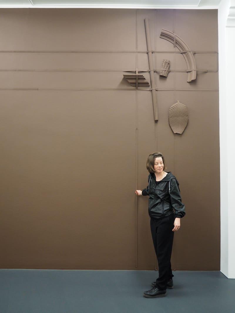 … sowie der Austausch und die Erläuterungen der Künstlerin Luisa Kasalicky machen die Führung nochmals spannender.
