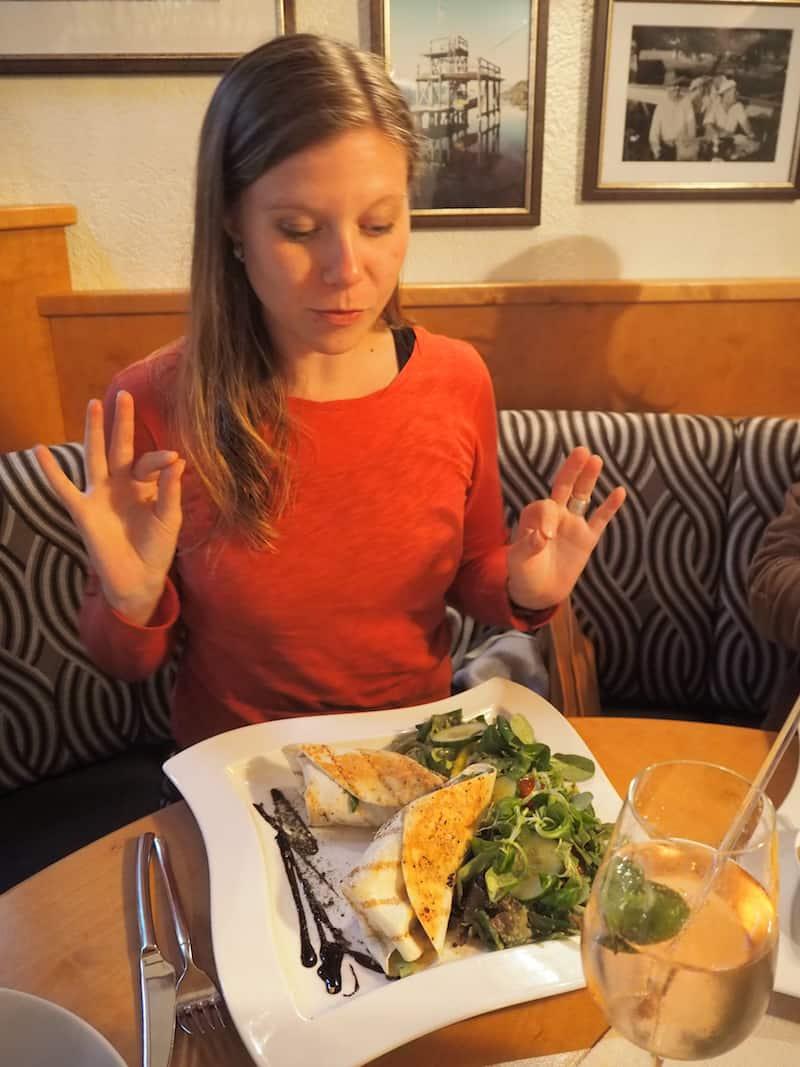 Was kommt uns da besser, als ein anschließendes Abendessen im Strandbad-Restaurant Sittlicher mit typischen Kärntner Seefisch-Spezialitäten?