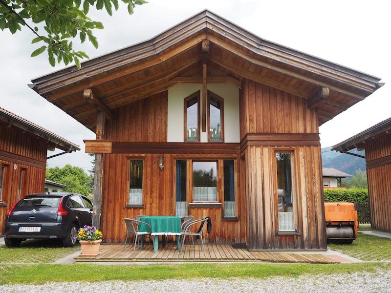 Ankunft in dieses wunderschöne Ferienhaus am AlpenCamp Kärnten ...