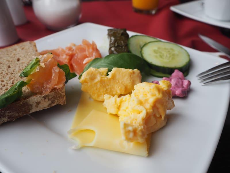 Guten Morgen aus dem Hotel Residence Bremen: Beim Anblick dieses Frühstück werde ich schon wieder hungrig ...