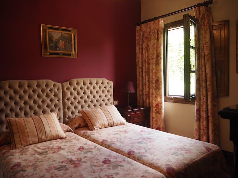 Wie in einem Märchenschloss: Unser Hotelzimmer im Torres Agrelo ...