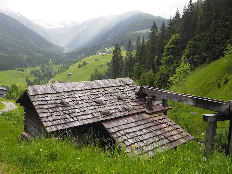 Gekommen sind wir diesmal, das einzigartige Wassermühlen-System der Lesachtaler zu bestaunen, dessen Erhaltung sich heute der Mühlenverein in Maria Loggau annimmt.