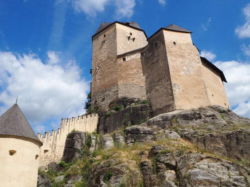 Unweit von der Whisky-Erlebniswelt lockt der Besuch der Burg Rappottenstein ...