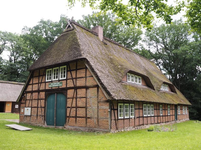 Ebenfalls sehr interessant: Art und Weise der früheren Bauernhäuser ...