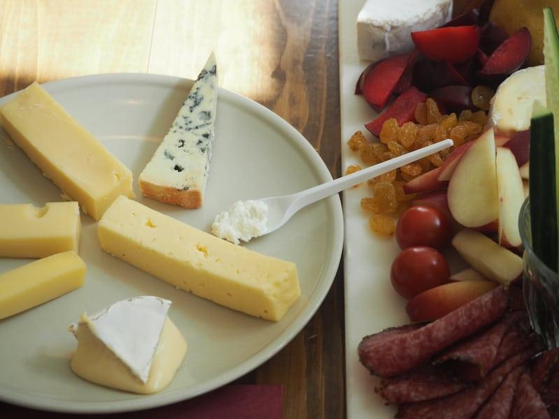 Bei der isländischen Käse-Queen Eirny kommt alles auf den Tisch, was gut ist: Bari