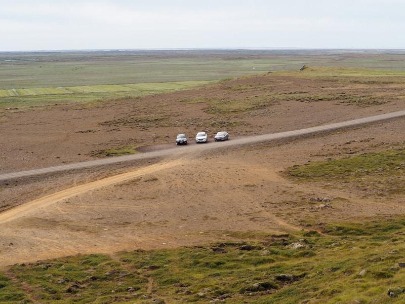 """... es reichen gut und gerne """"normale Autos"""" für die allermeisten (leeren?) Straßen auf Island."""