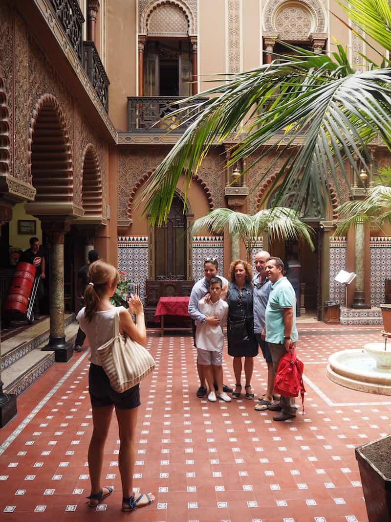 """Wenig später besuchen wir die """"Casa do Alentejo"""" im historischen Zentrum der Stadt ..."""