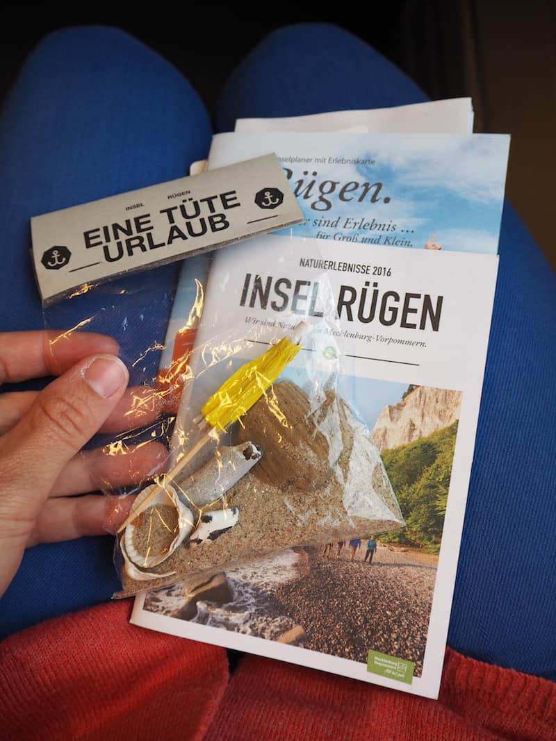 """... danke, Gudrun, für die schöne """"Tüte Urlaub"""" auf Rügen! :D"""