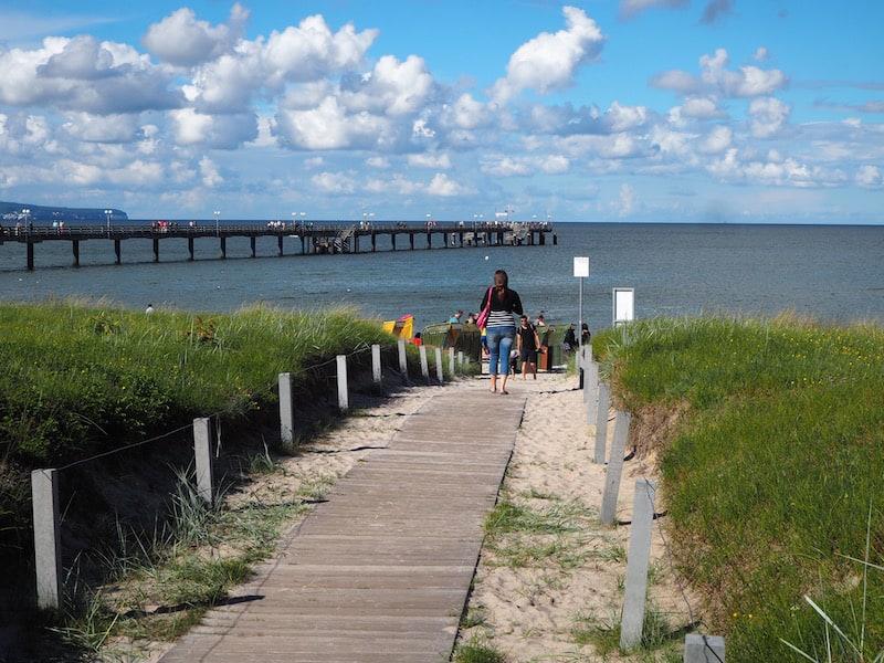 Die Ostsee-Insel Rügen (hier im Blick das Ostseebad Binz) ...