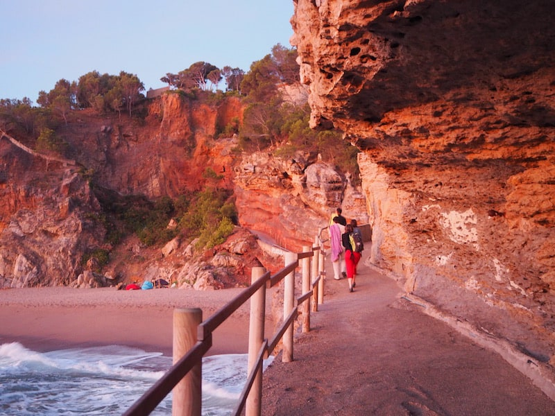 ... following my dear friends as the know exactly where to go: Platja Illa Roja, down the city of Begur.