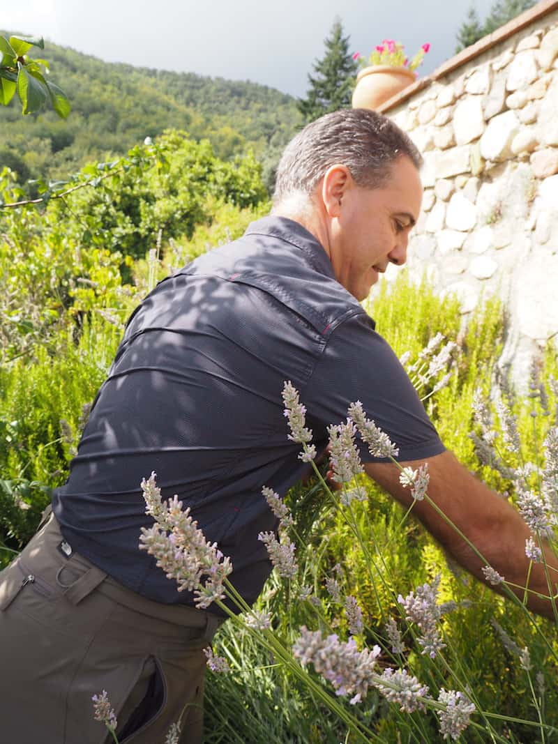 "Evarist, who besides being botanical advisor to the world famous Catalan restaurant ""El Celler de Can Roca"", teaches us all about collecting the (right) herbs ..."