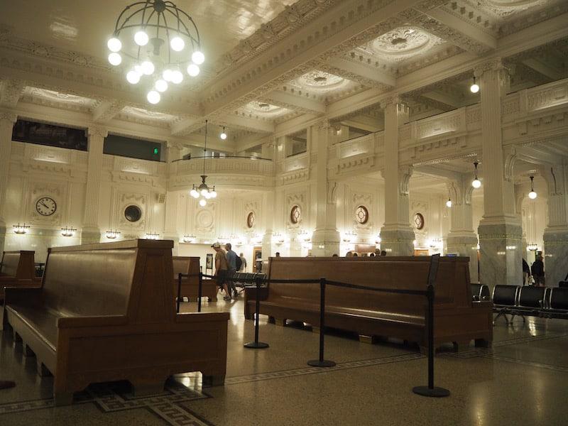 ... die Ankunft in Seattle sieht dann so aus: Historischer Bahnhof der Stadt aus den 1920er Jahren.