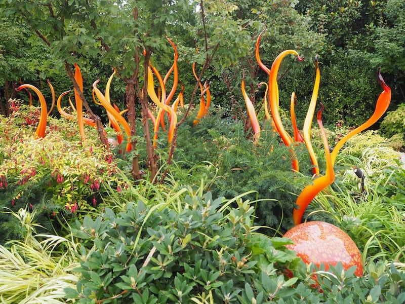 Unmittelbar daneben liegen in einem kleinen Park & Museum die Glaskunstwerke von Meister Chihuly ...