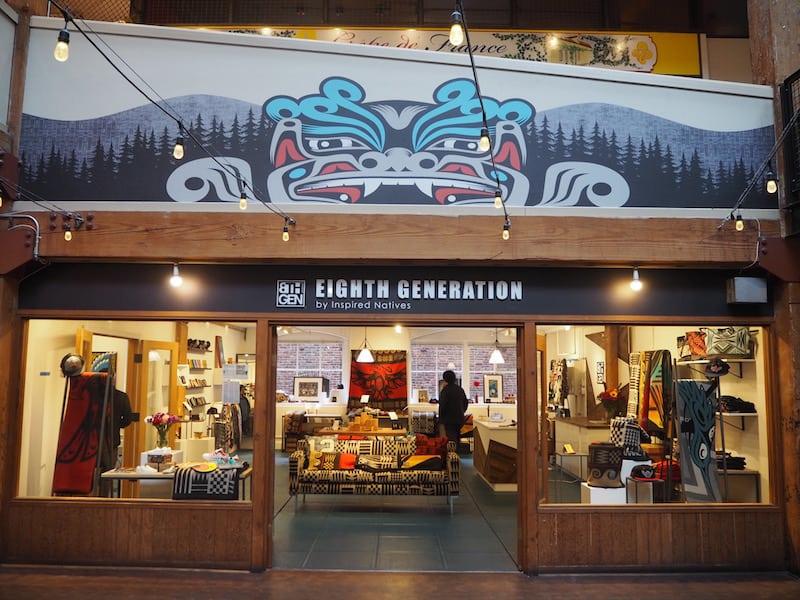 ... hier hat sich der findige und überaus charismatische Unternehmer Louie Gong auf Native Art Prints auf Merino-Wolldecken spezialisiert,