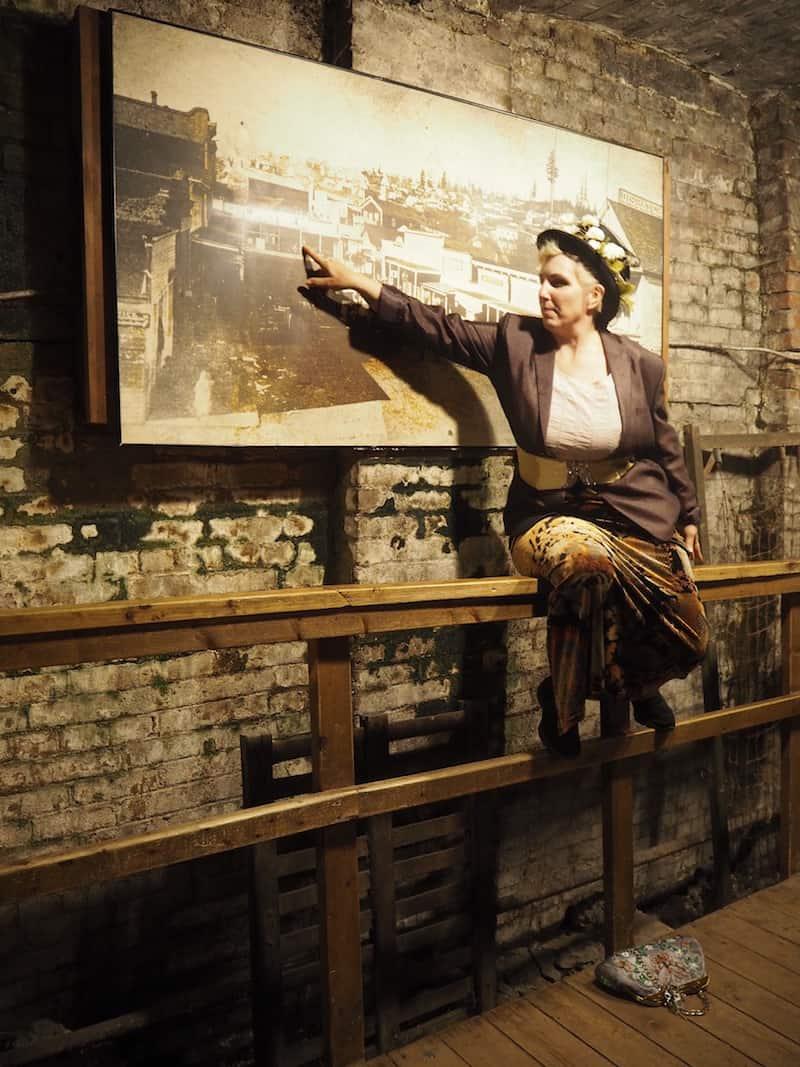 Echt spannend: Die Underground Tour Seattle, bei der echte historische Kulissen im Untergrund des Pioneer Square besucht werden ...