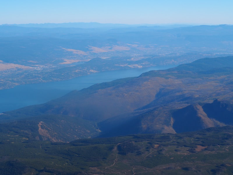 … landing in Kelowna, the gateway city to the Okanagan only an hour later: Already from the air, we can see that the area's topography and microclimate have created a very special region for cultivating fruit, and wine, above all. The very reason why I am here: #Winelover celebration time it is!