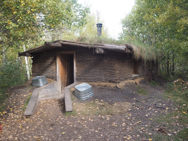 ... and how, at a later stage, the first European settlers built their so-called sod houses to make it through the first fierce Canadian winters ...