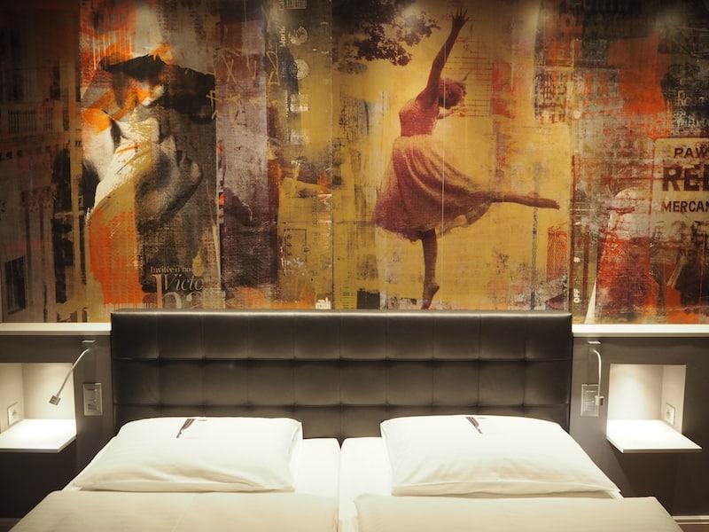 ... lauschen der kunstvoll-kreativen, aber auch sehr nachhaltigen und umweltorientierten Philosophie des Hauses ...
