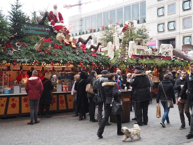 Schon bei der Erstbegehung des Stuttgarter Weihnachtsmarktes, unmittelbar nach meiner Ankunft in der Stadt ...