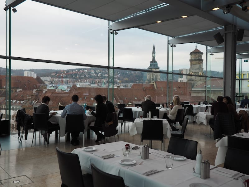 Als gehobenes, kulinarisches Epizentrum der Stadtmitte von Stuttgart gilt das Cube Restaurant im fünften Stock des ...