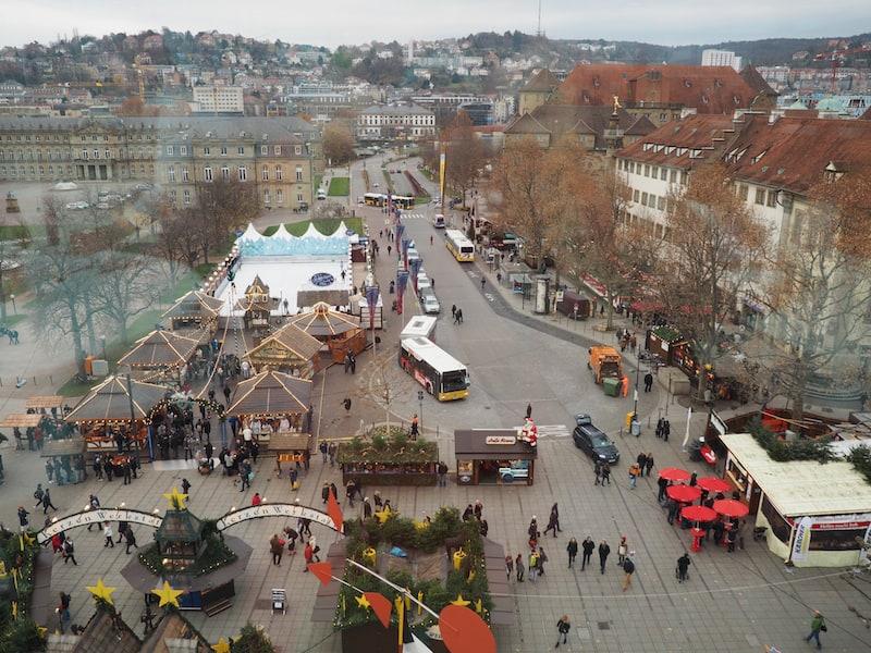 ... die Erkundung des naheliegenden Weihnachtsmarktes sowie der Altstadt von Stuttgart verheißt ...