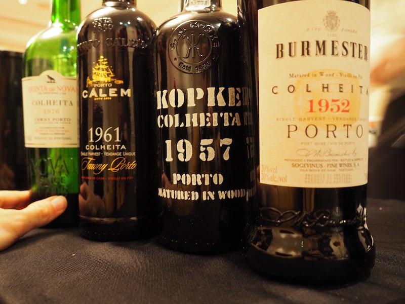 """... und schickt mich die Teilnahme am """"Adegga Premium Room"""" sowie der Möglichkeit, ganz besondere Portweine bis ins Jahr 1933 zurück zu verkosten, auf eine Zeitreise der besonderen Art."""
