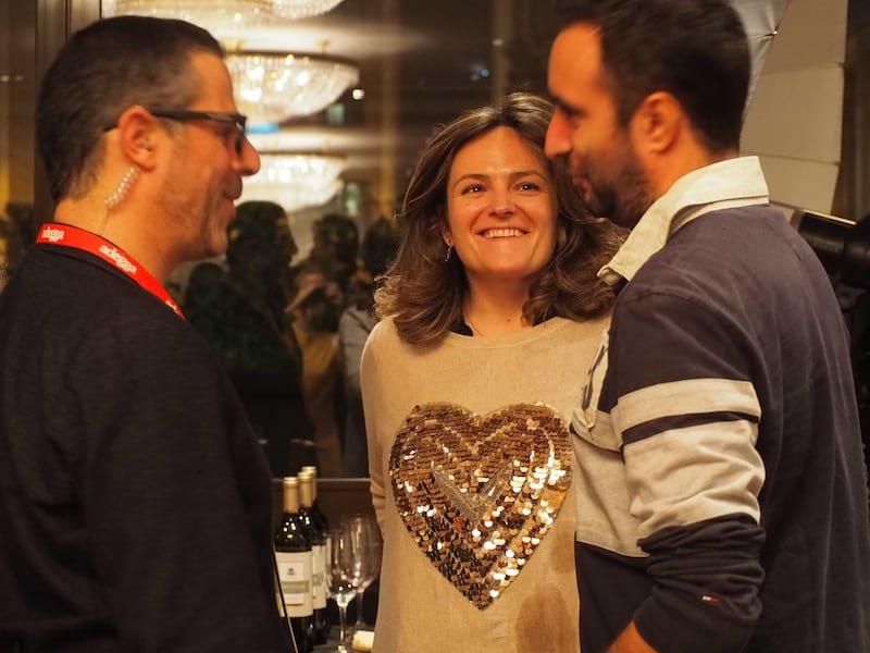 """Das Erfolgskonzept des """"Adegga Wine Market"""" ist so simpel wie genial: Emotionen wecken. Gemeinschaftssinn stiften. Ausgezeichnete Weingüter mit handverlesenen Selektionen zu vermarkten. In einer Art und Weise, die ihresgleichen sucht ..."""
