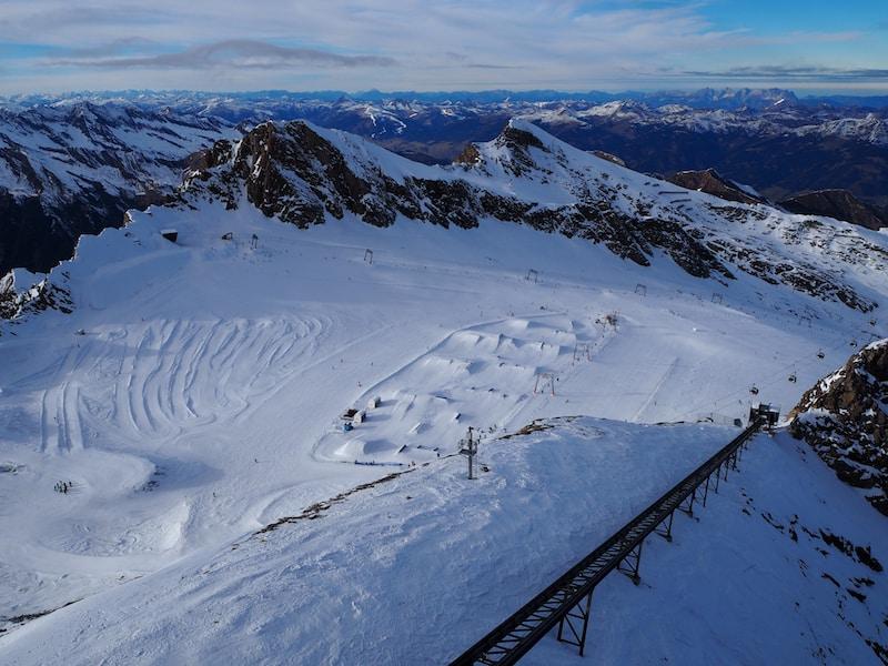 ... mit Blick vom Dach Österreichs Richtung Nordwesten und über die gesamten Voralpen bis nach Deutschland ... ein Traum.