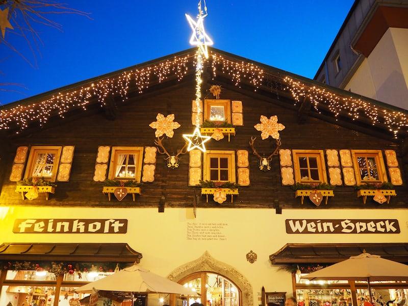 ... im historischen und besonders zur Weihnachtszeit mächtig herausgeputzten Stadtkern von Zell am See ...