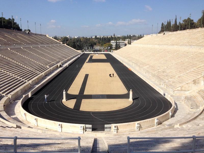 """Das prächtige Olympia-Stadium in Athen, stammt in seiner """"neuesten Fassung"""" aus dem Jahr 1896 - dem Geburtsjahr der modernen Olympischen Spiele."""