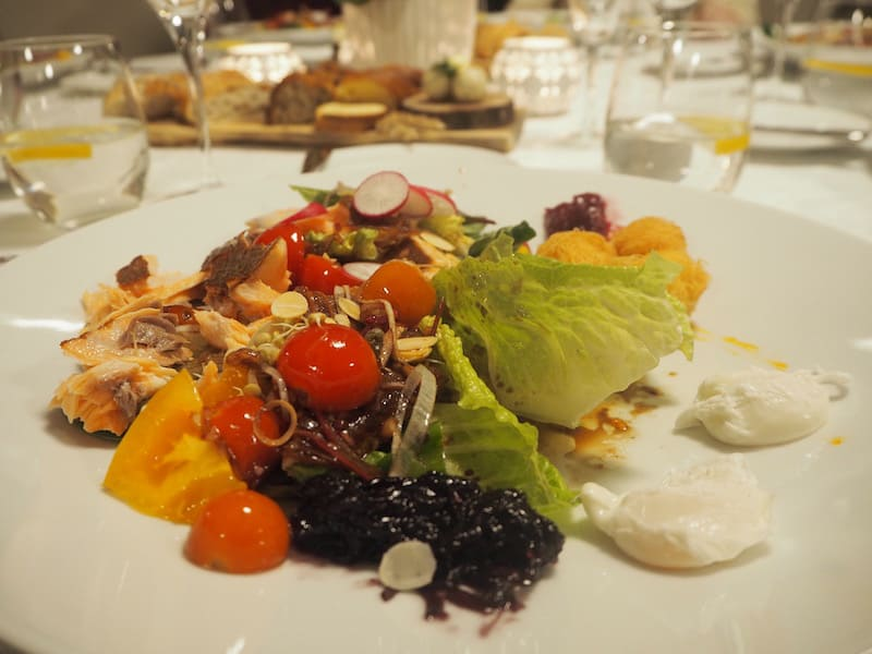 Isn't this one of the most beautiful salads you've ever seen? It tasted at least just as good.
