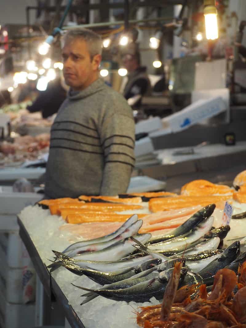 ... welche ganz klassisch mit dem Fischmarkt beginnen ...