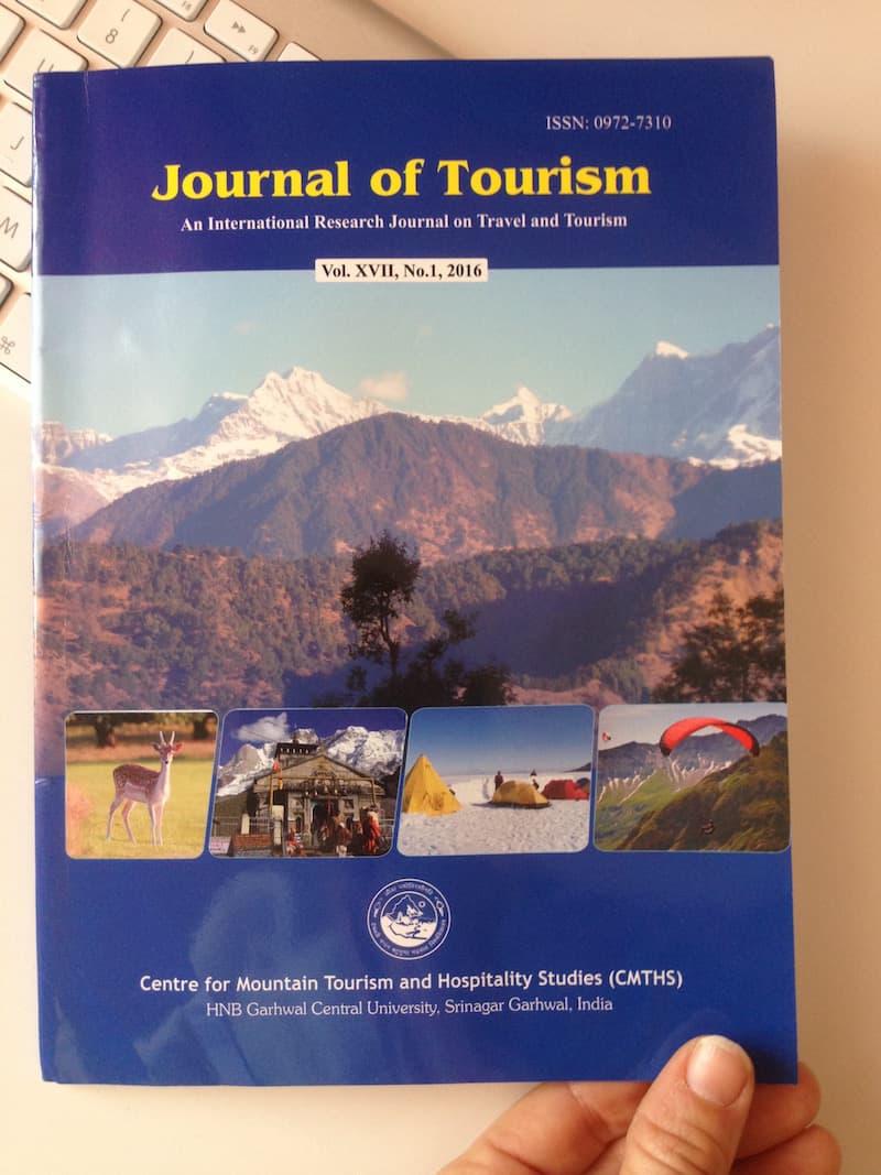Stolz, der: In einer indischen Tourismusfachzeitschrift mit meinem Artikel über Kreativ Reisen zu erscheinen ...